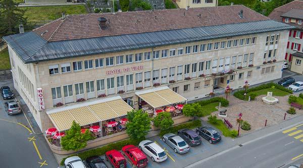 Restaurant de l'Hôtel de Ville dans le Village du Sentier